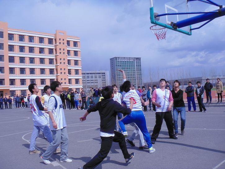 电子工程系成功举办系内篮球比赛