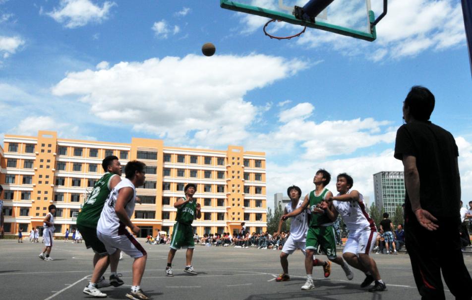 院团委组织举办首届篮球赛