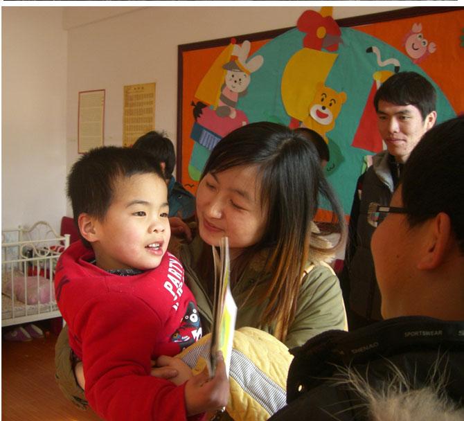"""学院团委组织开展""""学习郭明义 做当代雷锋""""献爱心志愿活动"""