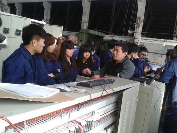 电子系开展学生进企业学习实践活动