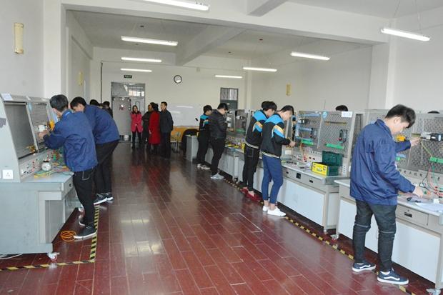 电气工程系学生参加铁岭市学生技能大赛
