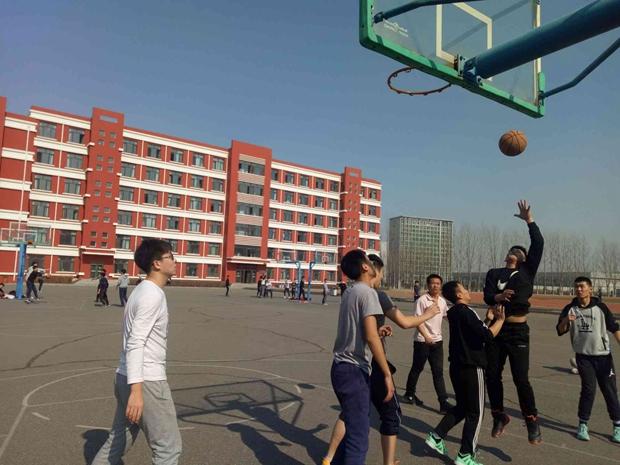 机械工程系非常机械社团举行篮球友谊赛
