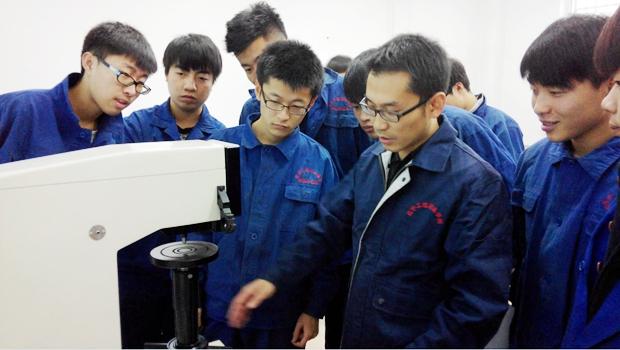 机械工程系优秀教师代表――孟祥峰